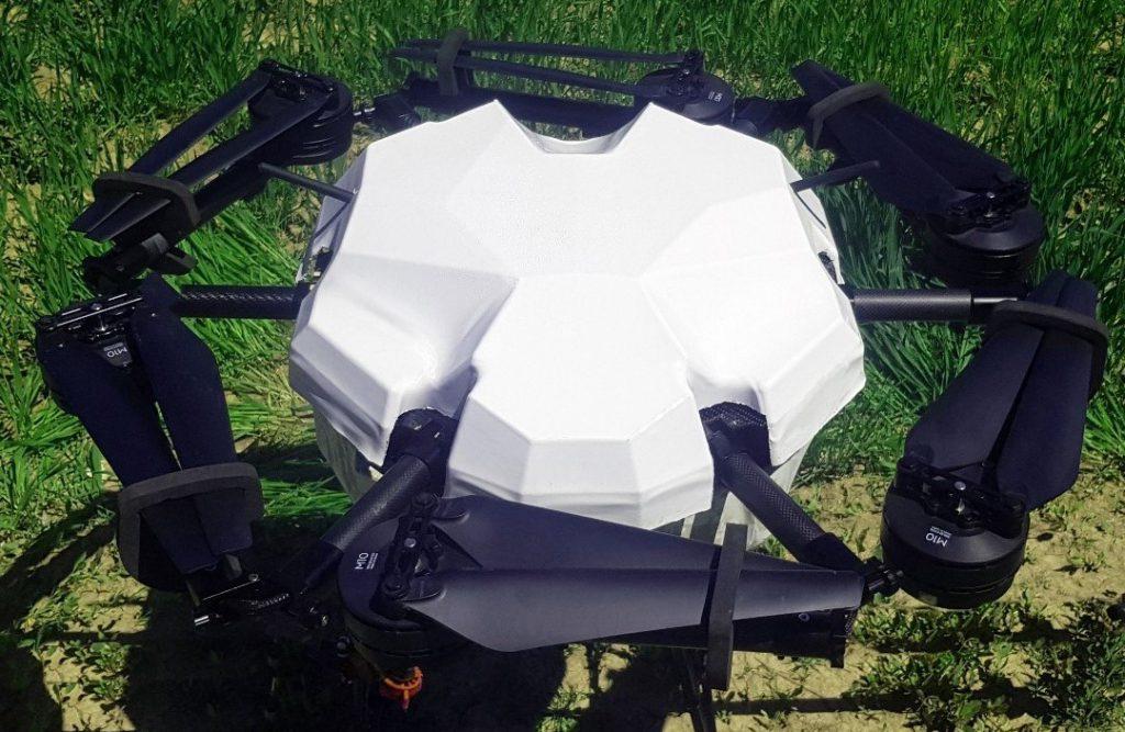 ربات پرنده و کوادکوپتر برای سمپاشی با پهپاد برای کشاورزی و مزارع